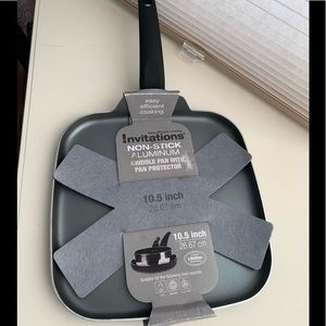 Non-Stick Aluminum 10.5 in.Griddle pan w/protector
